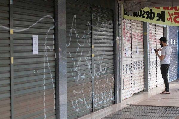 Comércio fechado em Taguatinga