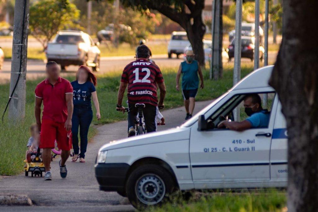Moradores do guará fazem exercicio em periodo de quarentena na pandemia