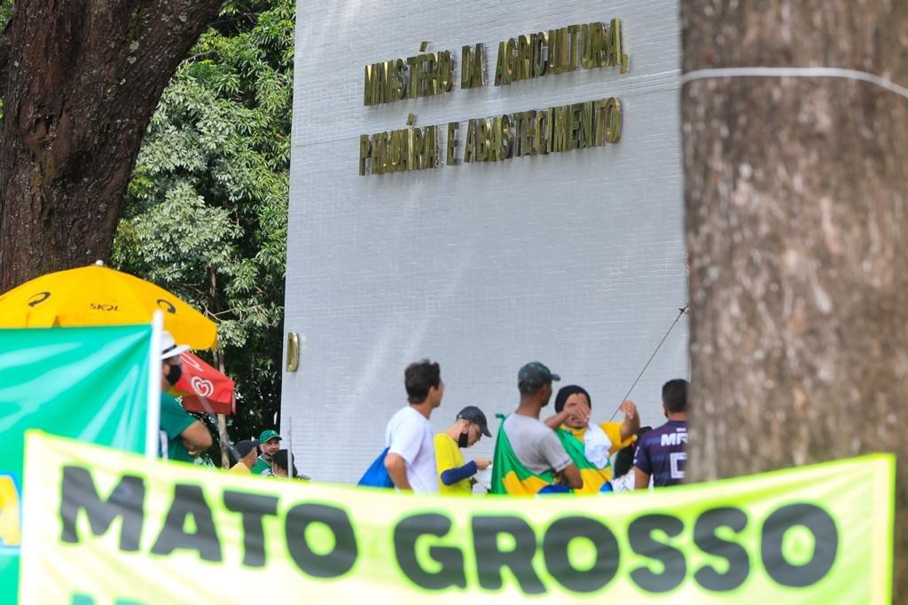 Manifestantes pro Bolsonaro na Esplanada