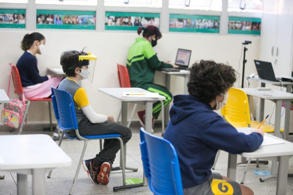 retorno aulas pandemia coronavirus brasília