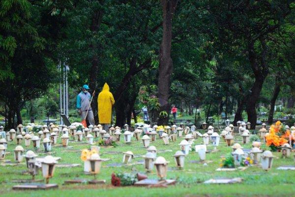 movimento cemiterio véspera de finados 2020 brasilia df11