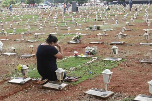 dia de finados cemiterio taguatinga DF2