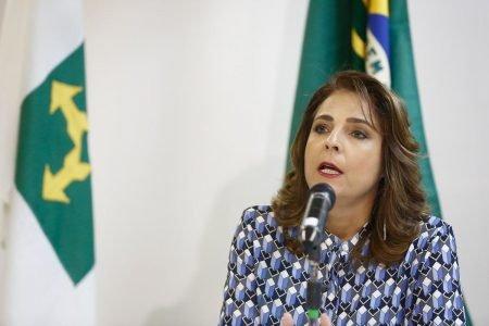 Reitora da UNB Márcia Abrahão durante entrevist