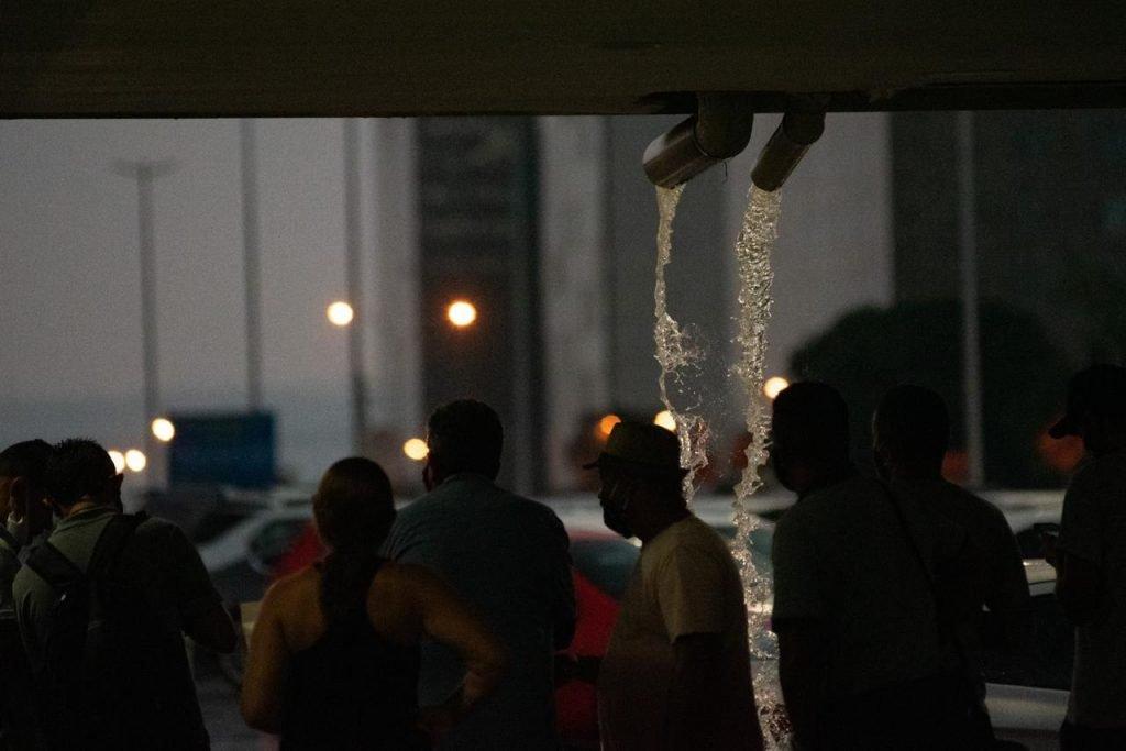 primeira chuva após um longo período de seca em brasíliaåç