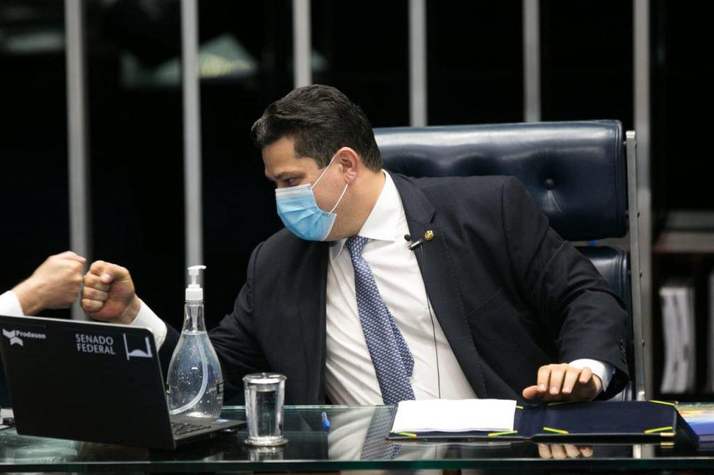 Davi Alcolumbre durante sessão de votação do novo presidente do Senado