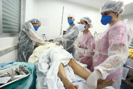 paciente de covid na UTI do Hospital Santa Bárbara em goiânia